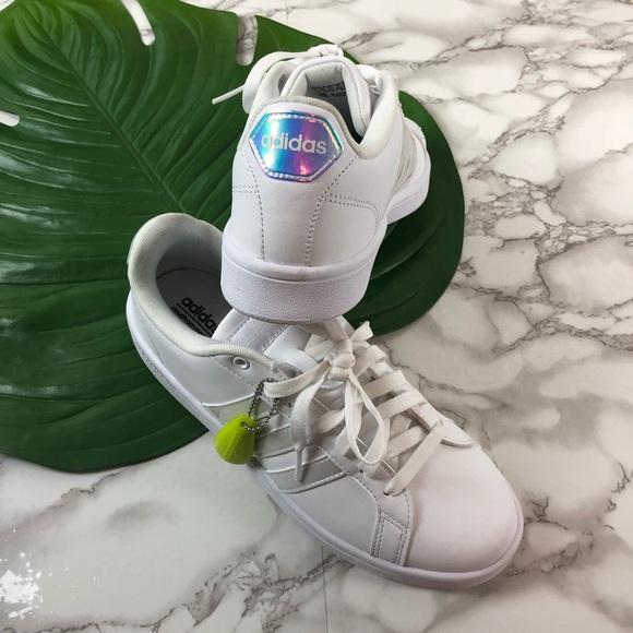 newest c1b20 2ecb0 Adidas Neo White Three Stripe Sneakers